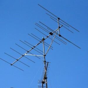 テレビアンテナと分配器の関係!必要なの?自分で取り付け可能?