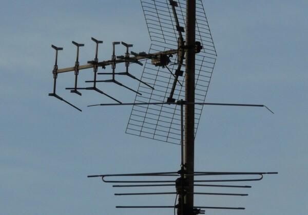 テレビアンテナの耐用年数は?チェックすべきポイント