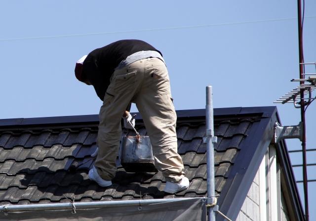 雨樋/屋根修理工事費用は専門業者へ